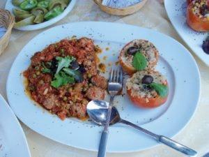 Albóndigas con nido de tomate