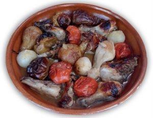 Pollo al horno con fruta y tomates de El Perelló